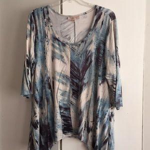 Philosophy 3/4 sleeve handkerchief style shirt